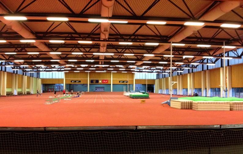 Tempohalle-Leichathletik-Training-Laufen