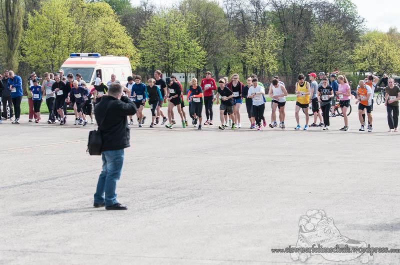 Berlin Tempelhof Malarathon Eiswuerfelimschuh Lauf Running 8