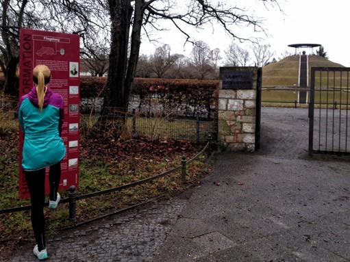 Laufgeschichten-RRDay-Retro-Lilienthal-Denkmal