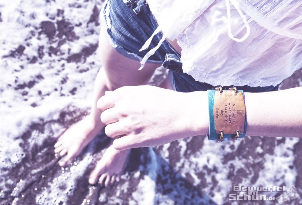 Eiswuerfelimschuh-Beach-Summer-Lenny-Eva-Charm-Sentiment-Itchy-Feet-Ocean