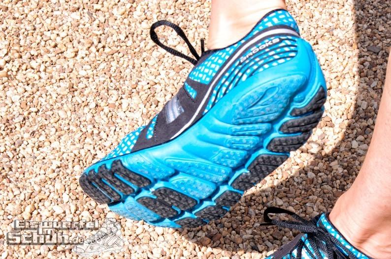 Eiswuerfelimschuh-Brooks-Pure-Drift-Laufschuh-Running-5