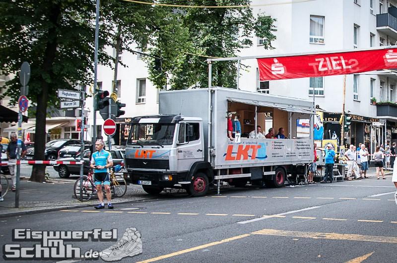 Eiswuerfelimschuh Rollbergrennen Berlin Radrennen (1)