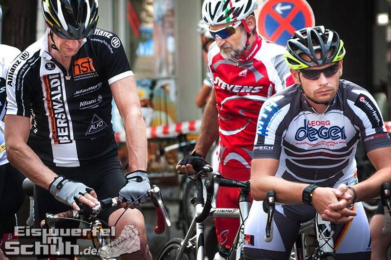 Eiswuerfelimschuh Rollbergrennen Berlin Radrennen (13)
