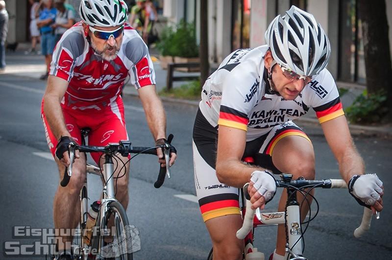 Eiswuerfelimschuh Rollbergrennen Berlin Radrennen (27)