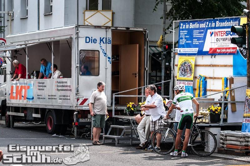 Eiswuerfelimschuh Rollbergrennen Berlin Radrennen (4)