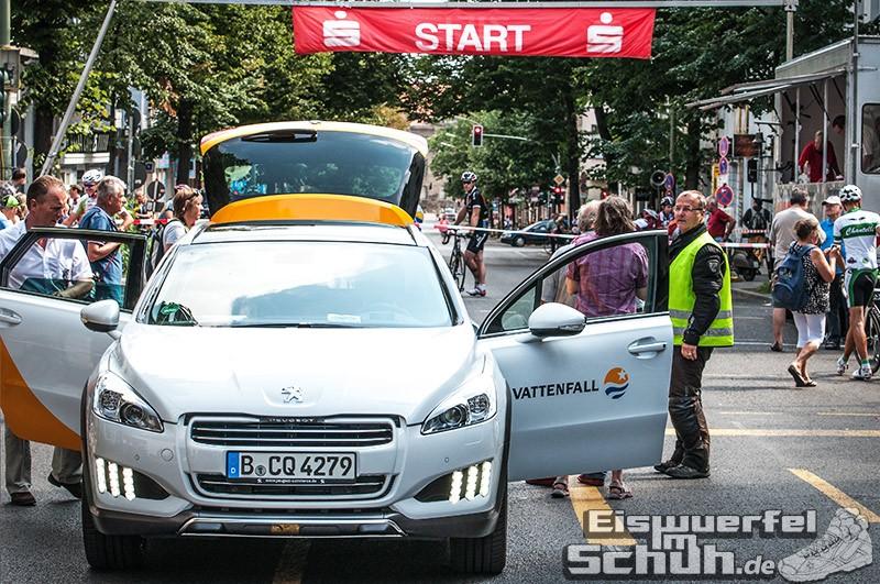 Eiswuerfelimschuh Rollbergrennen Berlin Radrennen (5)
