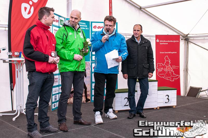 Eiswuerfelimschuh Teltowkanal Halbmarathon Lauf Wettkampf (16)