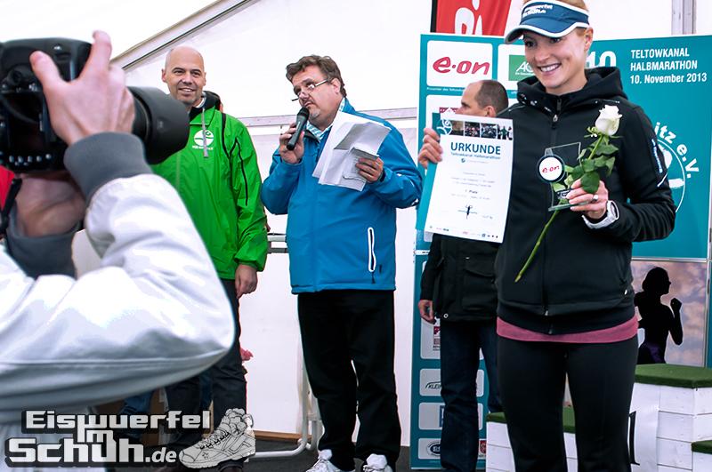 Eiswuerfelimschuh Teltowkanal Halbmarathon Lauf Wettkampf (19)