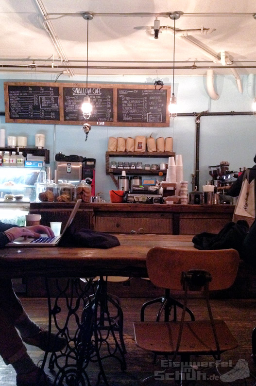 Eiswuerfelimschuh_NewYork_Shop-Tee_Swallow-Cafe-East-Williamsburg