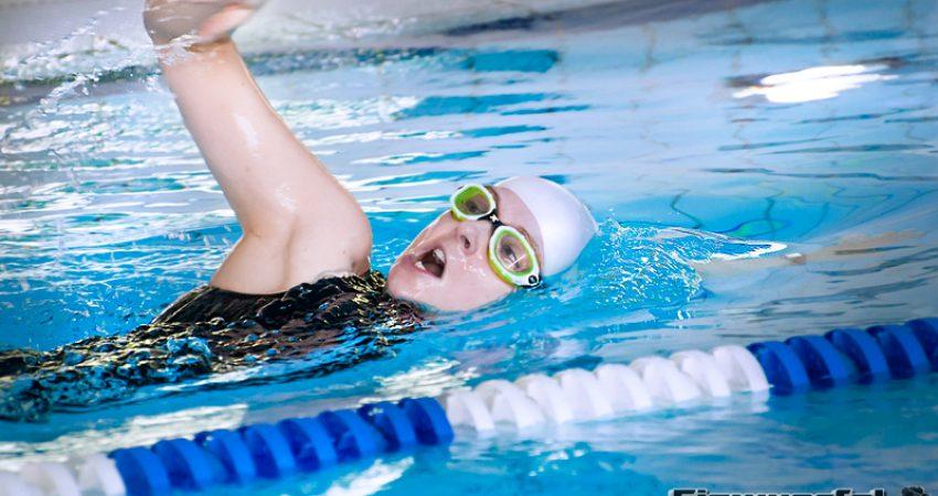 Schwimmgeschichten: Plantschen wie ein Delphin