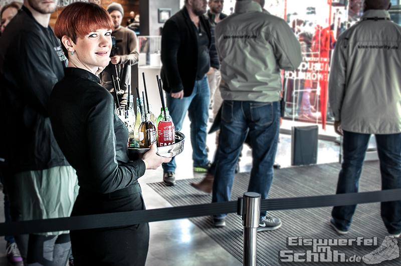 Eiswuerfelimschuh NIKE Store Berlin Opening Carl Lewis (05)