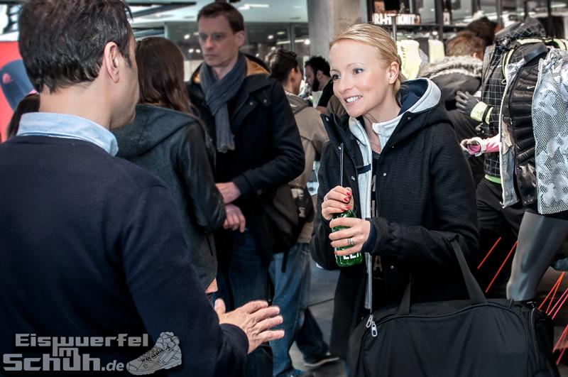 Eiswuerfelimschuh NIKE Store Berlin Opening Carl Lewis (06)