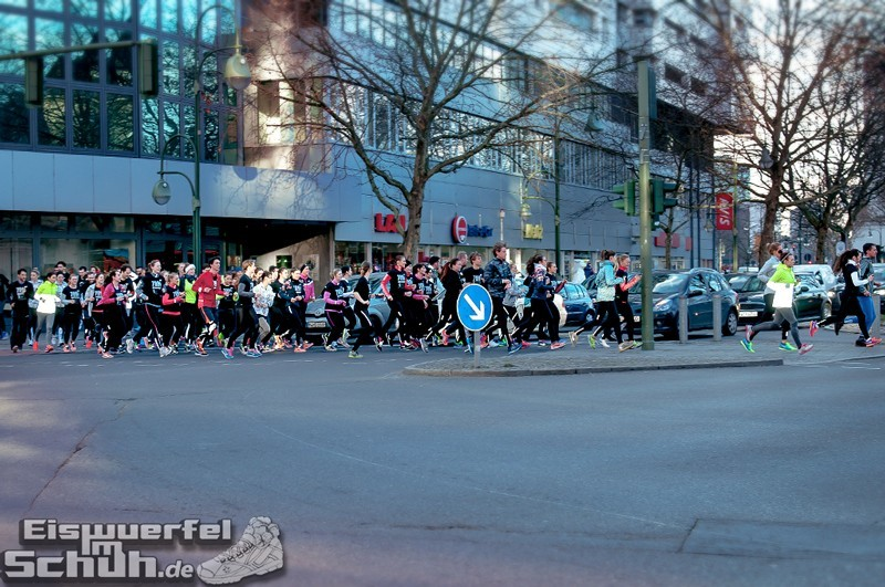 Eiswuerfelimschuh NIKE Store Berlin Opening Carl Lewis (48)