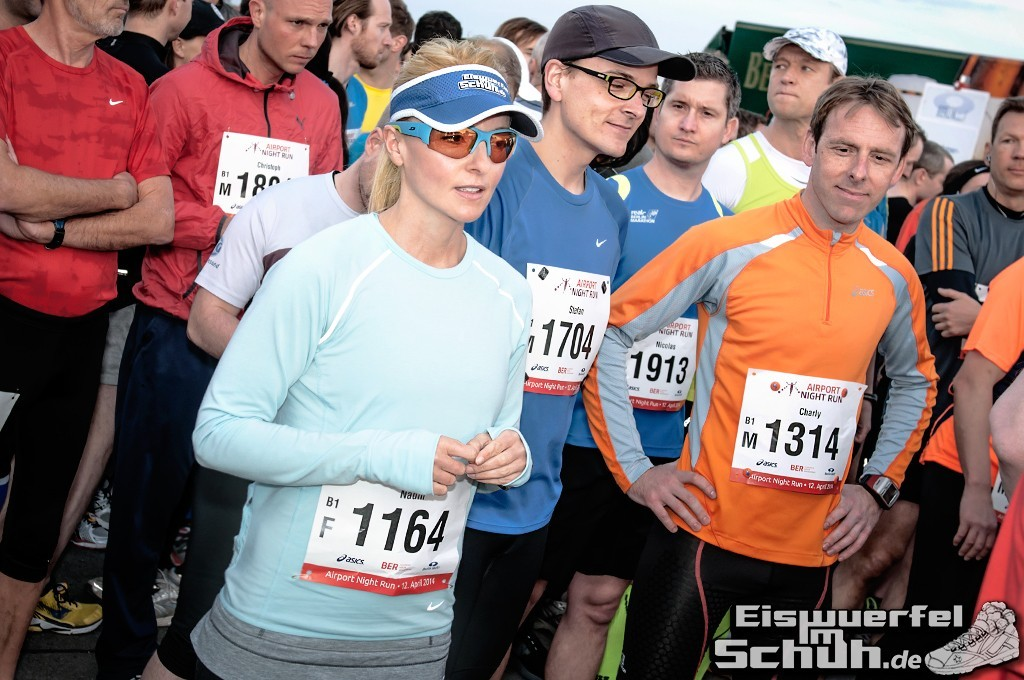 EISWUERFELIMSCHUH – BER AIRPORT NIGHT RUN Berlin Halbmarathon (10)