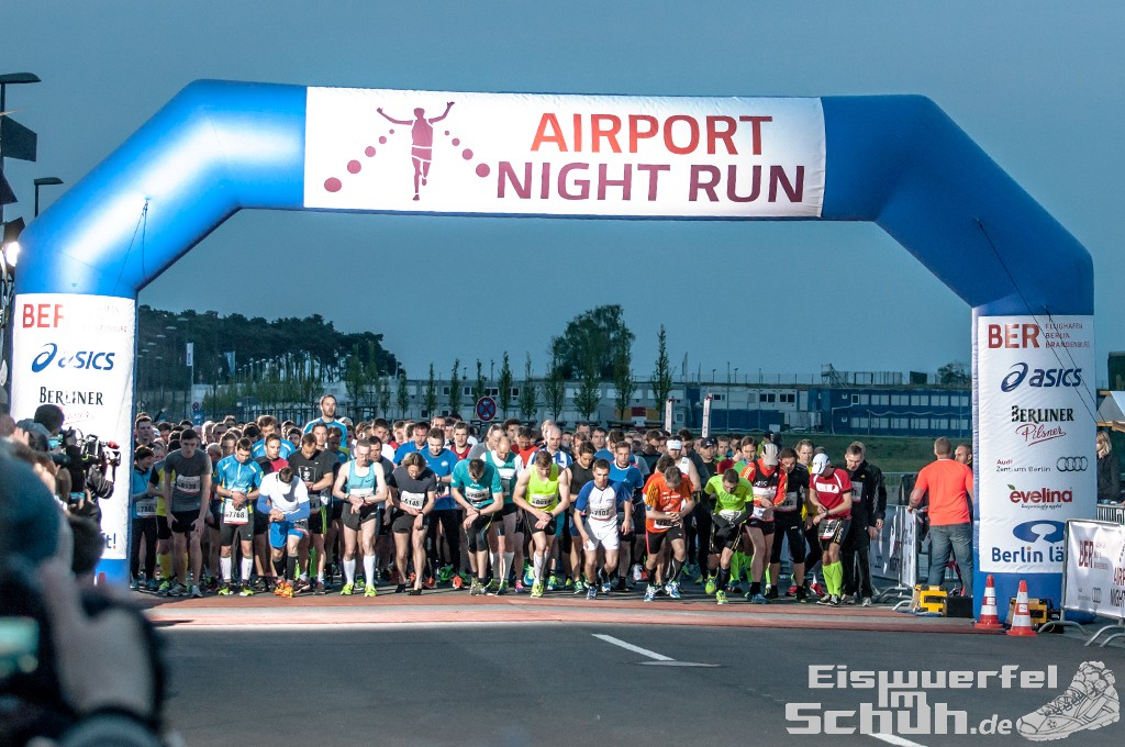 EISWUERFELIMSCHUH – BER AIRPORT NIGHT RUN Berlin Halbmarathon (12)