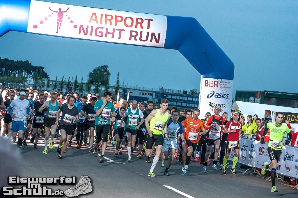 EISWUERFELIMSCHUH – BER AIRPORT NIGHT RUN Berlin Halbmarathon (13)