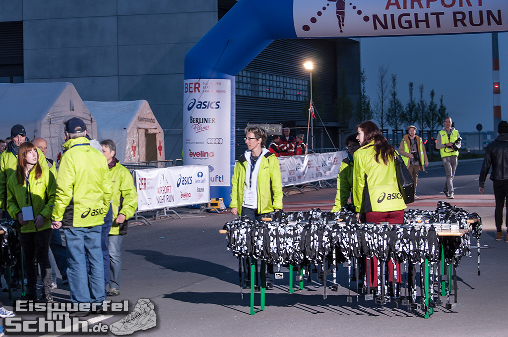 EISWUERFELIMSCHUH – BER AIRPORT NIGHT RUN Berlin Halbmarathon (19)