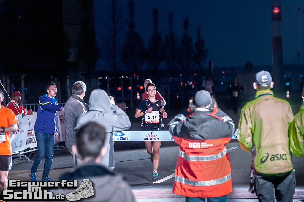 EISWUERFELIMSCHUH – BER AIRPORT NIGHT RUN Berlin Halbmarathon (20)