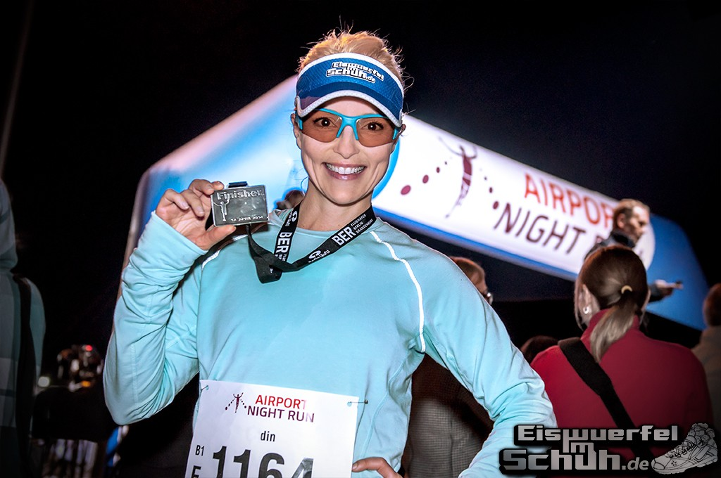 EISWUERFELIMSCHUH – BER AIRPORT NIGHT RUN Berlin Halbmarathon (25)