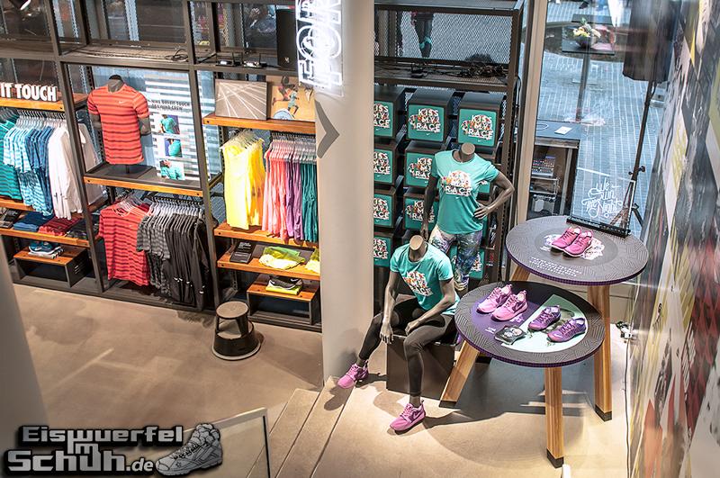 EISWUERFELIMSCHUH – NIKE FREE BERLIN Running Store Opening Mitte  (03)