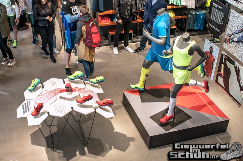 EISWUERFELIMSCHUH – NIKE FREE BERLIN Running Store Opening Mitte  (07)