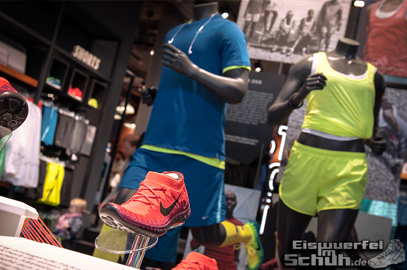 EISWUERFELIMSCHUH – NIKE FREE BERLIN Running Store Opening Mitte  (08)