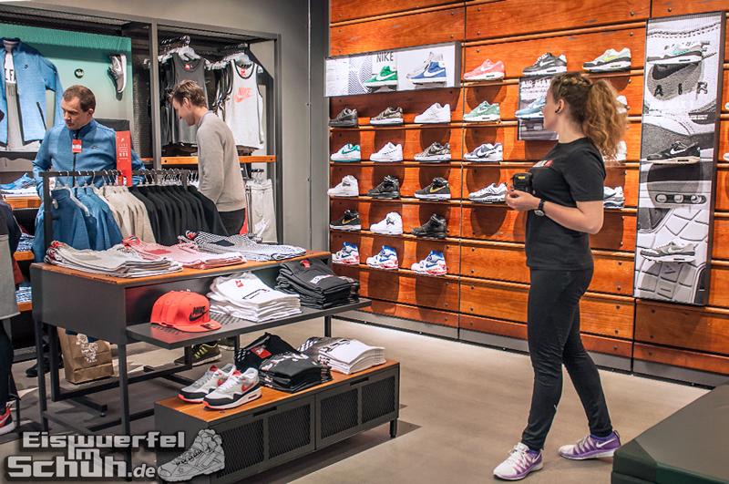 EISWUERFELIMSCHUH – NIKE FREE BERLIN Running Store Opening Mitte  (31)