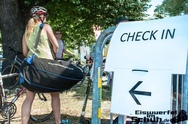 EISWUERFELIMSCHUH – BERLIN Triathlon 2014 Treptow Hauptstadttriathlon (11)