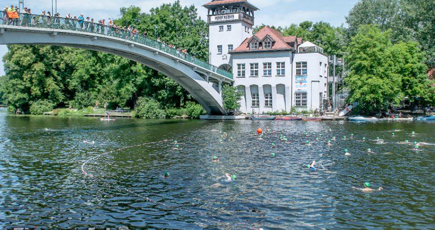 Berlin Triathlon: sumpfgrüne Plörre, Saharaföhn, glühender Asphalt – Teil I