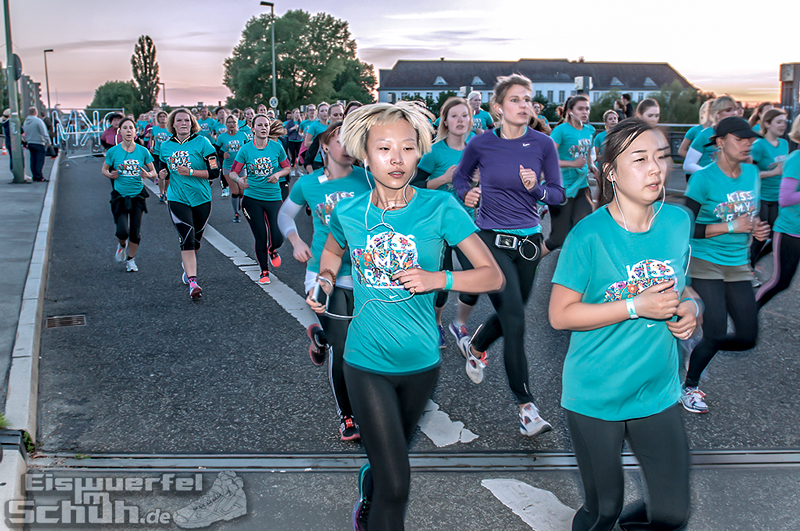 EISWUERFELIMSCHUH – NIKE We Own The Night Women Run Lauf Event Berlin 2014 (105)