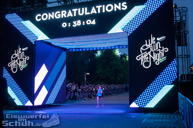 EISWUERFELIMSCHUH – NIKE We Own The Night Women Run Lauf Event Berlin 2014 (109)