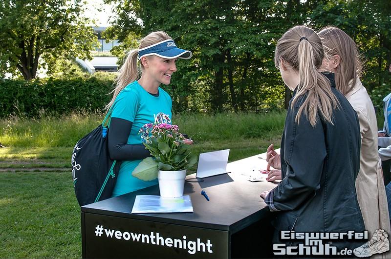 EISWUERFELIMSCHUH – NIKE We Own The Night Women Run Lauf Event Berlin 2014 (11)