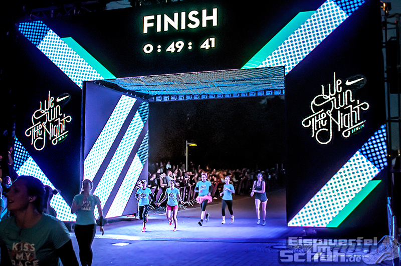 EISWUERFELIMSCHUH – NIKE We Own The Night Women Run Lauf Event Berlin 2014 (110)