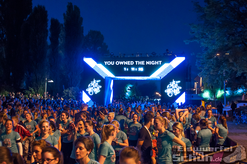 EISWUERFELIMSCHUH – NIKE We Own The Night Women Run Lauf Event Berlin 2014 (113)