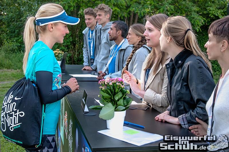 EISWUERFELIMSCHUH – NIKE We Own The Night Women Run Lauf Event Berlin 2014 (12)