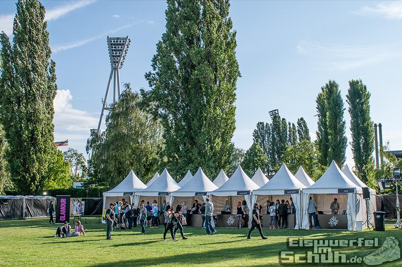EISWUERFELIMSCHUH – NIKE We Own The Night Women Run Lauf Event Berlin 2014 (16)