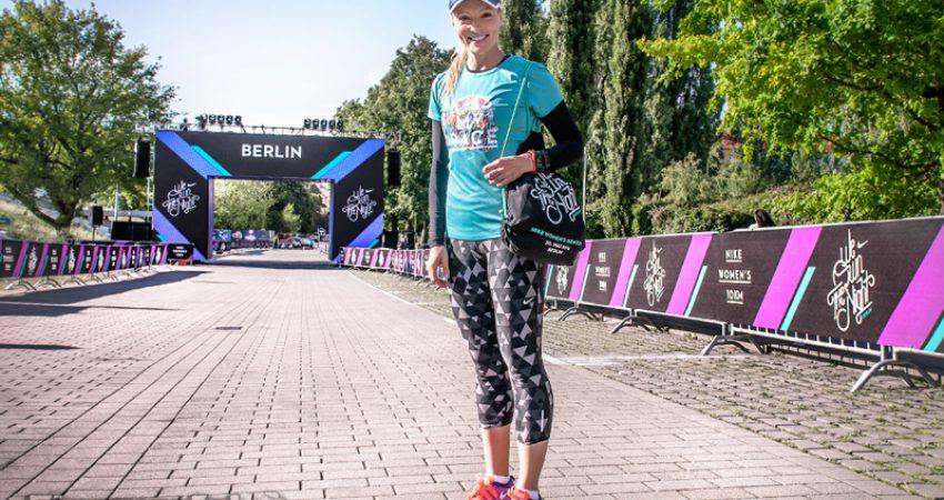 Berlin Prenzlauer Berg erstrahlt während des Nike 'We own the Night' Laufs