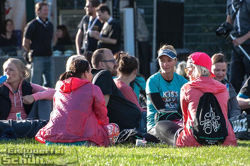 EISWUERFELIMSCHUH – NIKE We Own The Night Women Run Lauf Event Berlin 2014 (70)