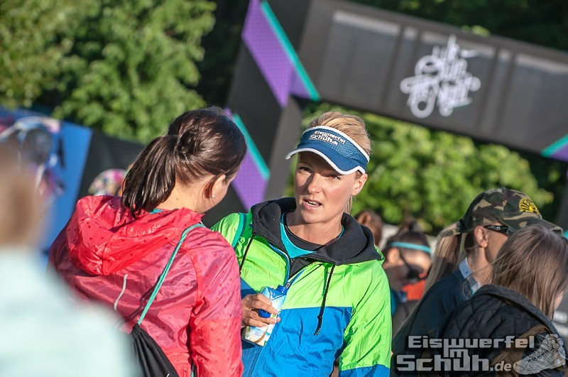 EISWUERFELIMSCHUH – NIKE We Own The Night Women Run Lauf Event Berlin 2014 (72)