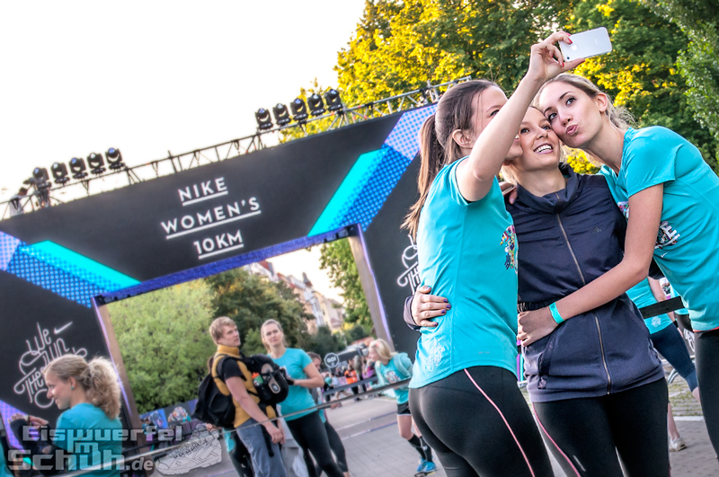 EISWUERFELIMSCHUH – NIKE We Own The Night Women Run Lauf Event Berlin 2014 (79)