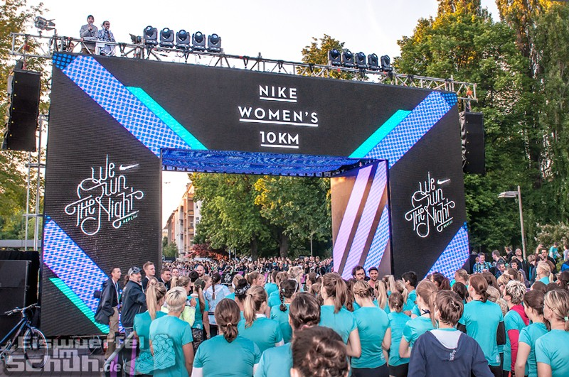 EISWUERFELIMSCHUH – NIKE We Own The Night Women Run Lauf Event Berlin 2014 (83)