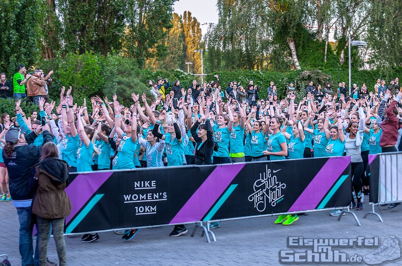 EISWUERFELIMSCHUH – NIKE We Own The Night Women Run Lauf Event Berlin 2014 (88)