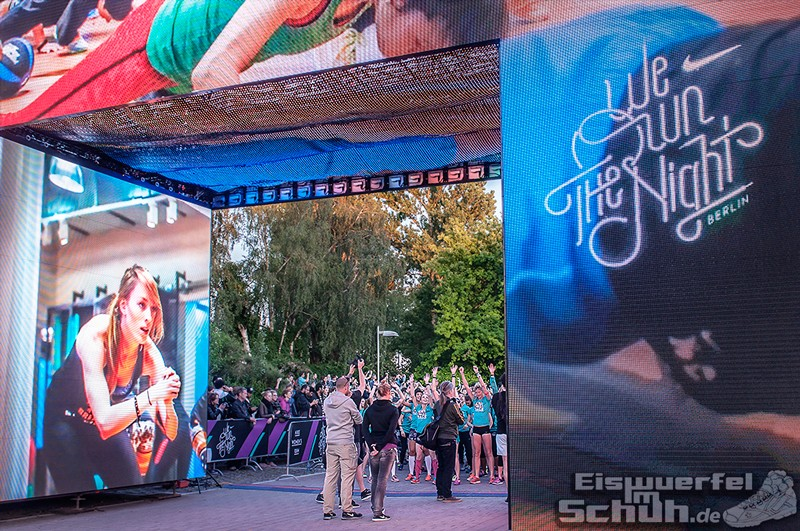 EISWUERFELIMSCHUH – NIKE We Own The Night Women Run Lauf Event Berlin 2014 (89)