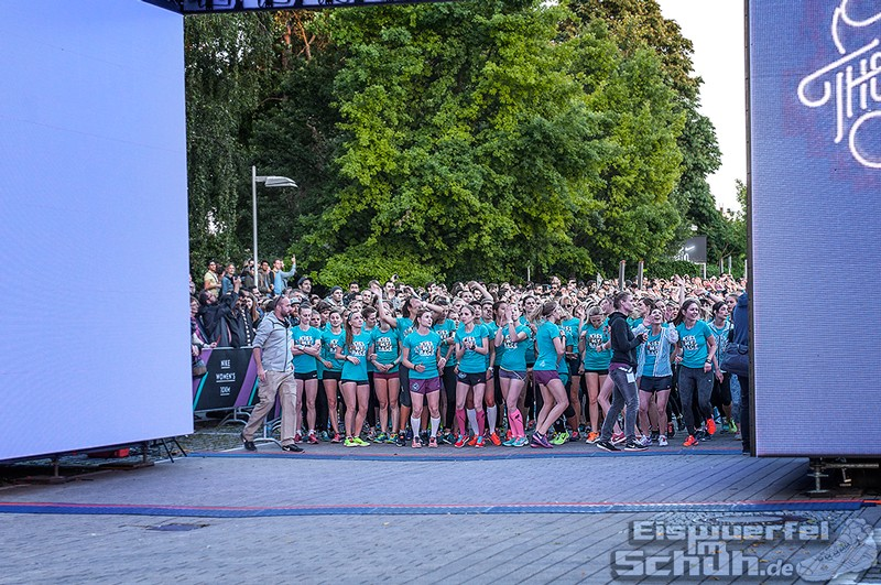 EISWUERFELIMSCHUH – NIKE We Own The Night Women Run Lauf Event Berlin 2014 (90)