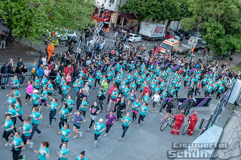 EISWUERFELIMSCHUH – NIKE We Own The Night Women Run Lauf Event Berlin 2014 (95)