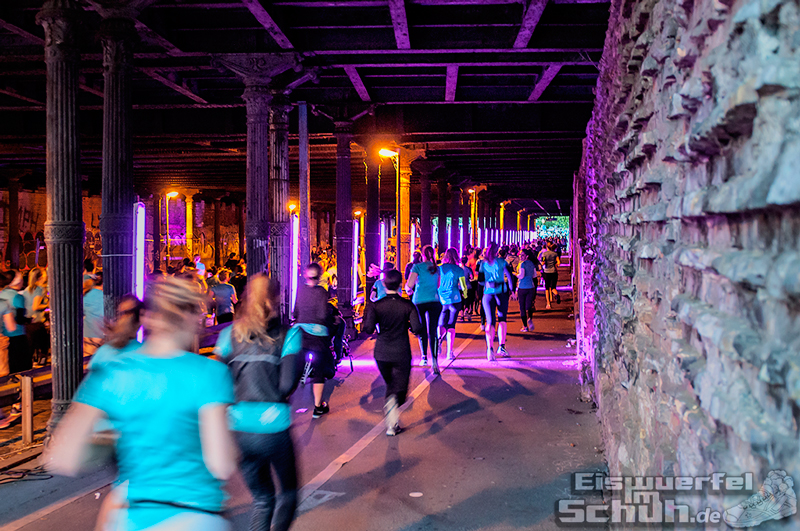 EISWUERFELIMSCHUH – NIKE We Own The Night Women Run Lauf Event Berlin 2014 (99)