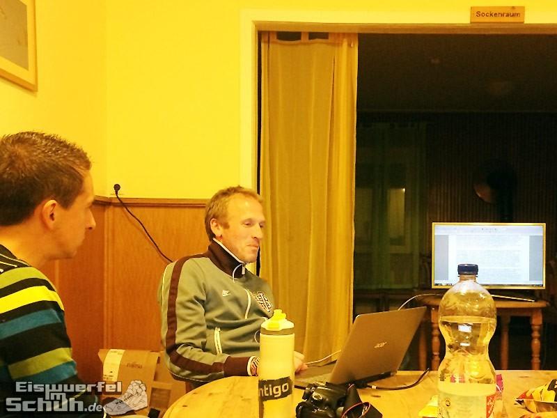 Eiswuerfelimschuh-Run-Blogger-Camp-Running-Laufen-Laufblogger-Kenia-Jan-Fitschen