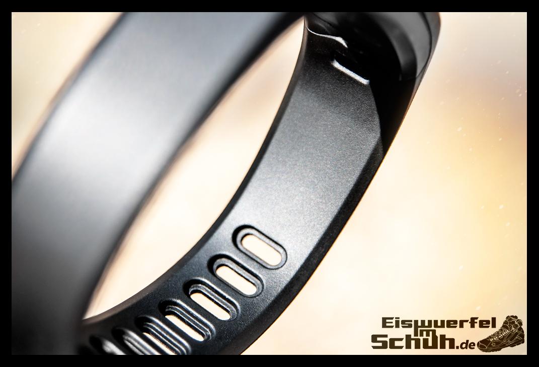 EISWUERFELIMSCHUH - GARMIN Vivofit Fitness Tracker (02)