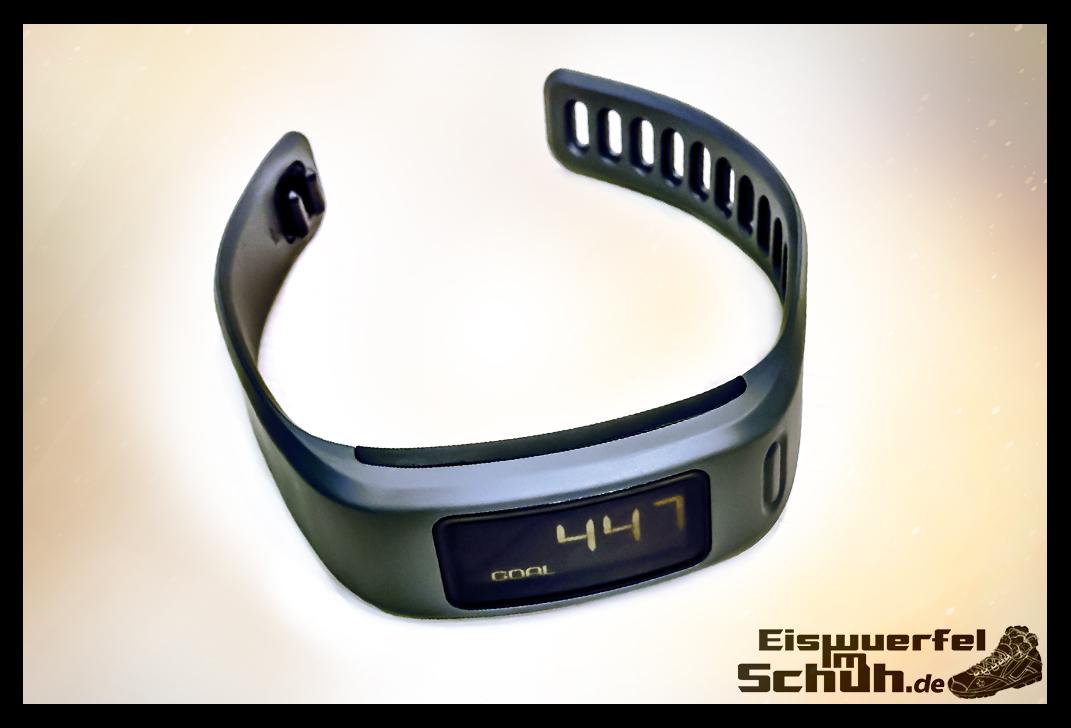 EISWUERFELIMSCHUH - GARMIN Vivofit Fitness Tracker (06)