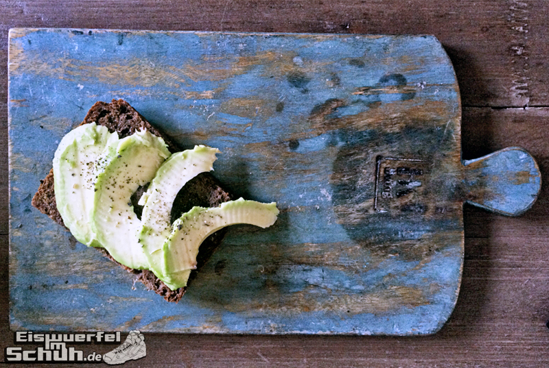 Eiswuerfelimschuh-Läufer-Laufen-Mandel-Chia-Brot-Vegan-Fit-Healthy-Avocado